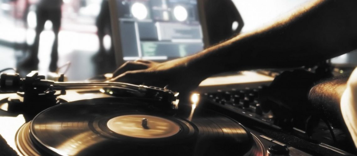 Music-Mixers-Djs-Disco-Record-Player-Free-Wallpapers